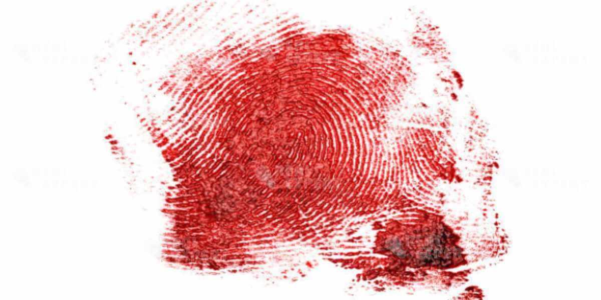 Кровавый отпечаток пальца для дактилоскопии